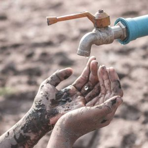 lack-of-water-from-the-water-crisis-in-Africa